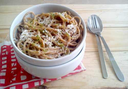 Espaguete na manteiga de alho limao e parmesao 1